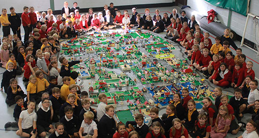 Hall class photo of the Technology Town Building Workshop for Primary Schools